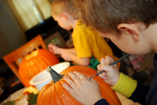 drawing on pumpkins