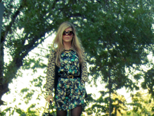 mixing prints+cat eye sunglasses+lady handbag+black tights+ long blonde hair+leopard print+cropped