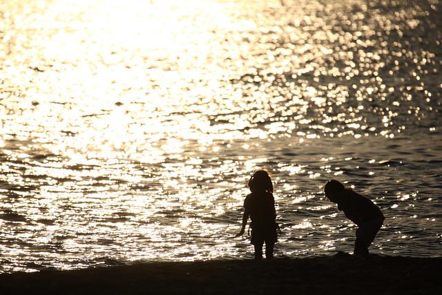 浜辺の夕景