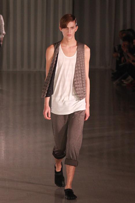 Gabriel Gronvik3116_SS11_Tokyo_MOLFIC(Fashionsnap)