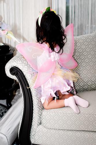 2010,Oct 23. Dress-up (Dahlia&Milana) 269