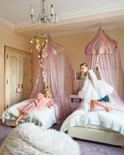 Convey Your Little Girl S Personality Through Her Bedroom: Proper Hunt: Bulletin Board: Jeanine Lobell + Anthony