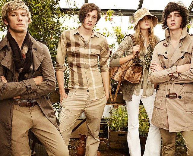 Richard Wyndham0003_Burberry SS09 Campaign(Official)
