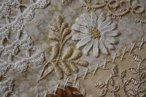 Needle woven Daisy