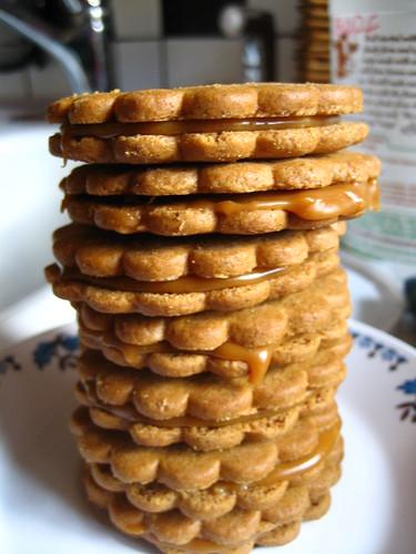 Caramel Gingersnap Sandwiches