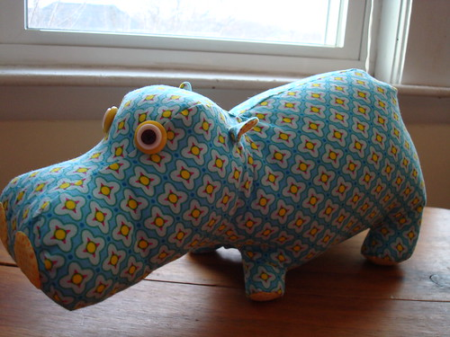 Bijoux hippo side