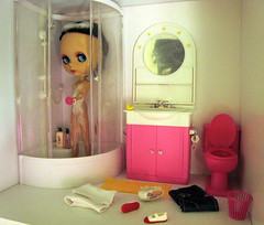 Hi, Enriqueta! :)   (13/365) (Suedehead) Tags: home bathroom doll furniture gloria blythe rement ebony 2010 abad enriqueta