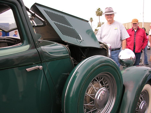 Frank Fretheim (grey hat) and his 1932 Hupmobile