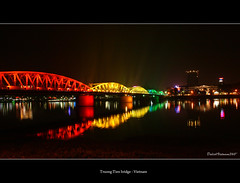 Truong Tien bridge (DulichVietnam360) Tags: voyage travel bridge night canon river asia centre rivire vietnam pont asie nuit hue asean perfumeriver fleuve vitnam m sng hu cu mywinners riviredesparfums huecity snghng theunforgettablepictures mintrung chu vietbestphoto bonjourvietnam dulichvietnam360 villedehu chu trngtinbridge trnthiha dulichvietnam360 parfumriver centreduvietnam trngtinbridge riviredeparfum hucitimprial