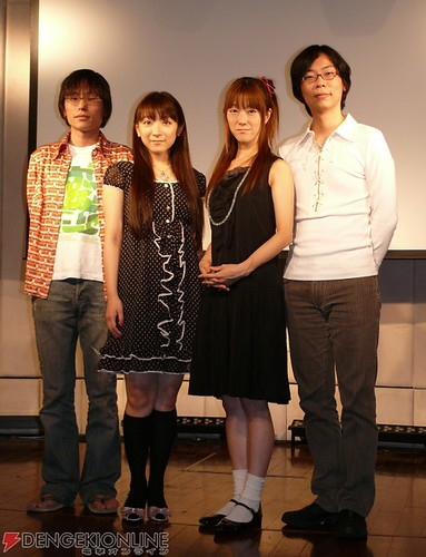 長井龍雪〔Tatsuyuki NAGAI〕(照片最左側)