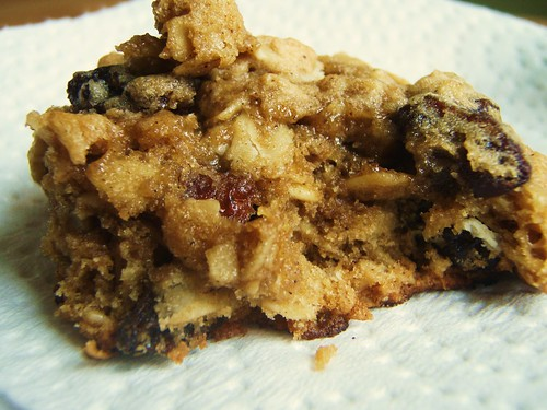 25 - quaker oats oatmeal raisin cookie