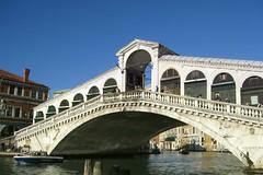 One of the oldest bridges in Venice, Italy (Dragon Weaver) Tags: nov bridge venice italy boat canal italian grand historic 1127 rialto 2007 112707