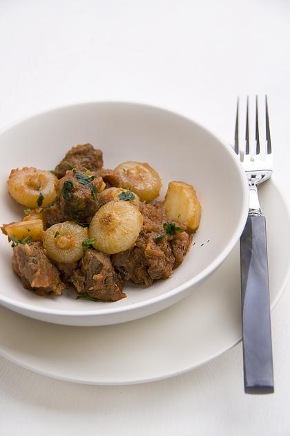 Gulash con cipolline e patate