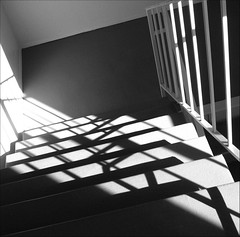 ~ CHIAROSCURO ON THE WAY TO THE LAUNDRY ROOM ~ (Dominique Guillochon) Tags: california light usa sun sunlight art lines stairs composition fun shadows unitedstates sandiego geometry d lignes northpark ombres escaliers warmweather shadowpattern 75degreesf goingdownthestairs chiaroscuroonthewaytothelaundryroom goingdownstairstodothelaundry goodthingthatialwayscarrymycameraasiwouldhavemissedthisotherwise geometrysunpainted