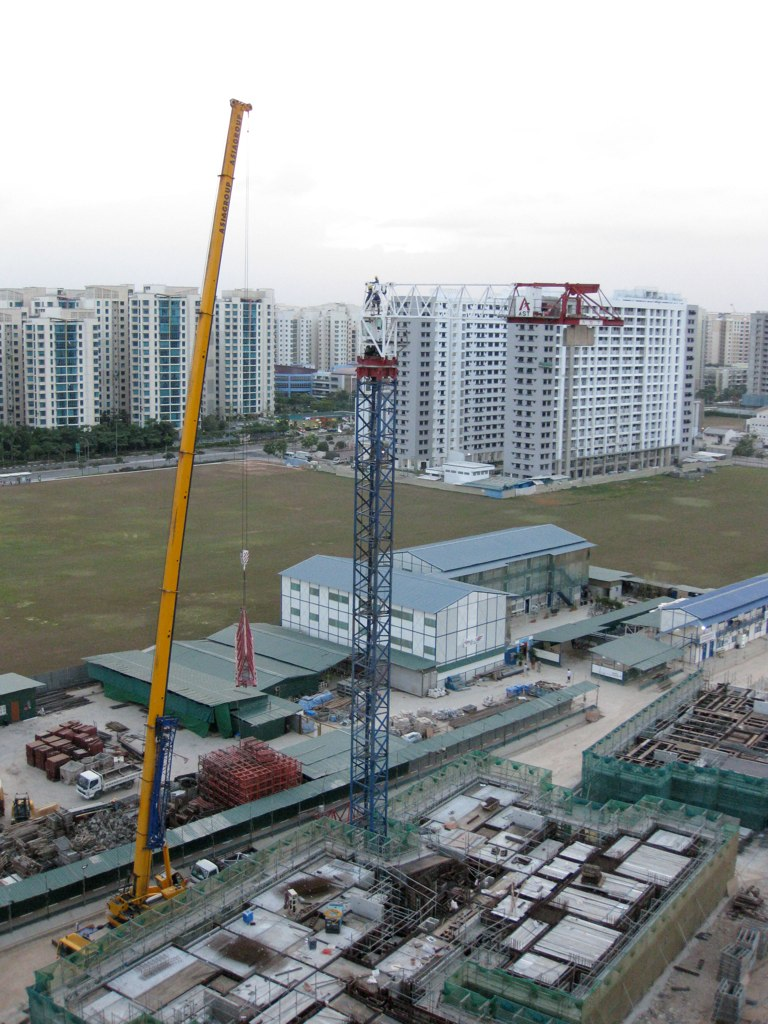How cranes are erected