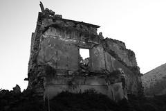 Rudere (geotetto) Tags: bw italy canon italia sicily sicilia biancoenero ruderi poggioreale eos400d rgsstreetphotography geotetto