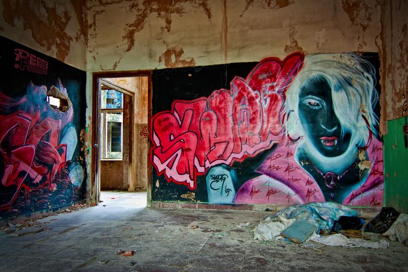 Graffitis en el Seminario - Vampira en negativo