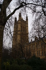 DSC00591 (bishopdb) Tags: london thepalaceofwestminster thevictoriatowergardens thevictoriatower
