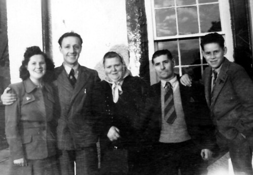 The Smith Family  on holiday 1948