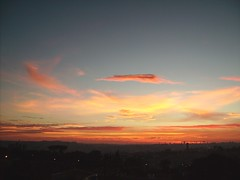 Como sempre, da janela do meu quarto... (bihngo) Tags: sky sol azul laranja paisagem cu nuvem amanhecer