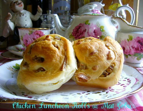 Chicken Luncheon Rolls