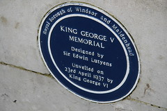 Photo of Edwin Landseer Lutyens, George VI, and George V blue plaque