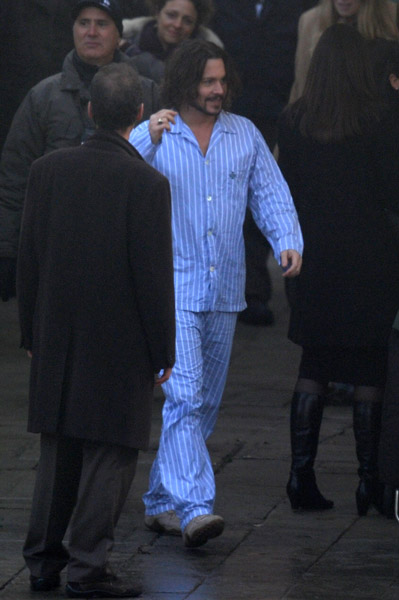 Johnny Depp wearing pajamas Italy