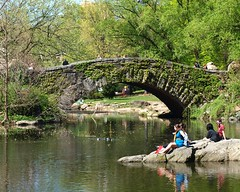 Gapstow Bridge over the Pond, Central Park, Manhattan, New York City (jag9889) Tags: city nyc bridge ny newyork stone puente google pond arch crossing centralpark manhattan bridges bin ponte pont brcke waterway 2010 olmsted vaux gapstow nycparks y2010 bridgeidentificationnumber jag9889 2246030