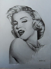marilyn monroe (Nico Coratella) Tags: marilyn pencil dive monroe diva ritratto carta matita gesso biancoenero grafite