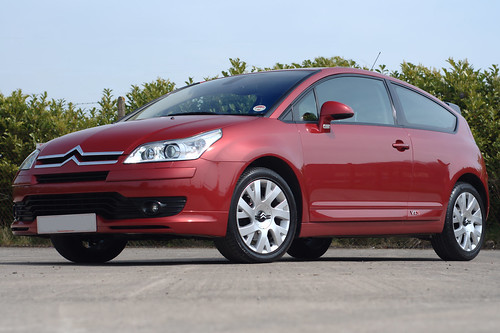Citroen C4 Coupe Vts. Citroen C4 VTS Coupe 180