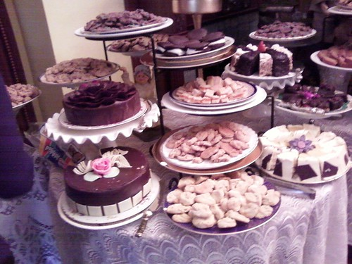 Tons of cakes! Oh my!