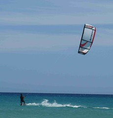 IMG_2891 (miss_verstaendnis) Tags: ocean sea sun kite beach water strand meer wasser sommer fuerteventura kitesurfing atlantic canaries sonne atlanticocean canaryisland fuerte kitesurfen sotavento wassersport sotaventobeach