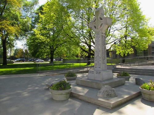 Another view of the Richmond Cenotaph at Richmond City Hall