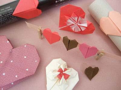 4587435948 f77acf7ced Paper Hearts and Flowers for Moms Day