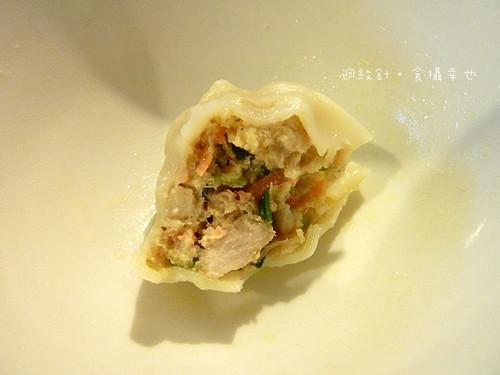 達江水餃黃金鮪魚仔細看