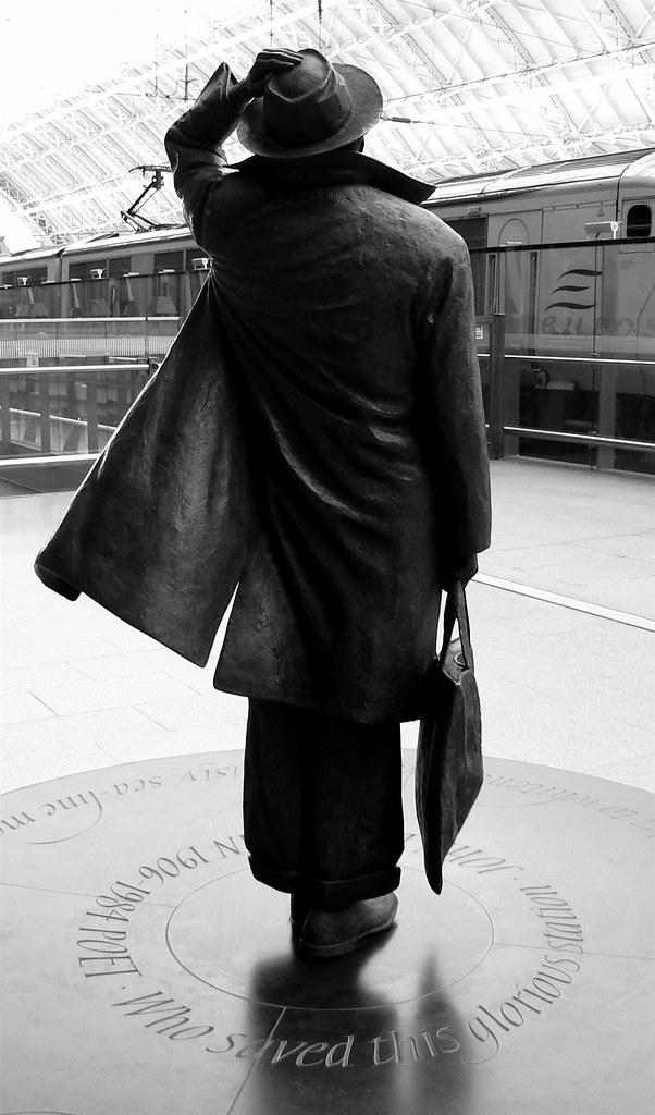 Sir John at St Pancras (1)