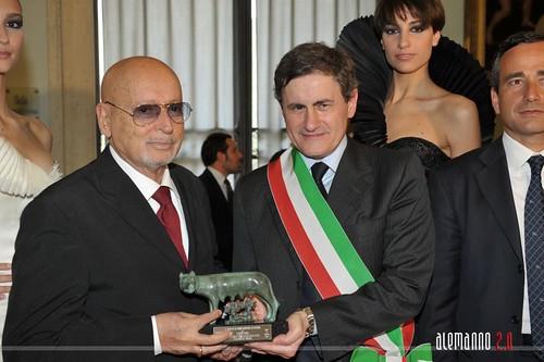 Lupa Capitolina allo stilista italiano Fausto Sarli