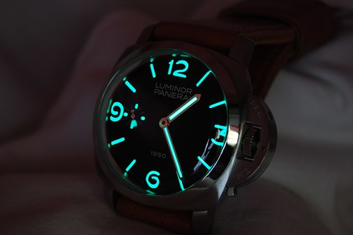 PAM 127 Glows in the dark
