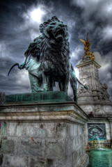 Buckingham Palace (Its A Tiny World) Tags: buckinghampalace londonhdr