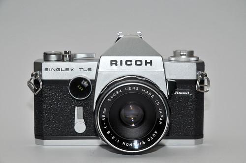 Foto van Rico Singlex TLS. Bron Camera-wiki: http://camera-wiki.org/wiki/Ricoh_Singlex_TLS.
