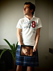To make it clear: What's up the kilt (1) (Petit Homenet) Tags: kilt ipad upkilt upthekilt upyerkilt faldaescocesa debajodelafalda