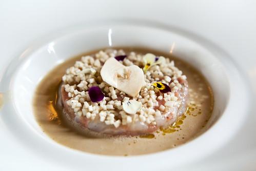 Langostines/Veau marinés à cru, Jus de carapace à la vanille