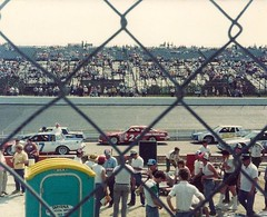 Dover Downs Monster Mile (Lee Cannon) Tags: pits monster racecar fence downs nascar delaware dover mile speedway raceway stockcar doverdowns monstermile doverde pitroad kentcountyde