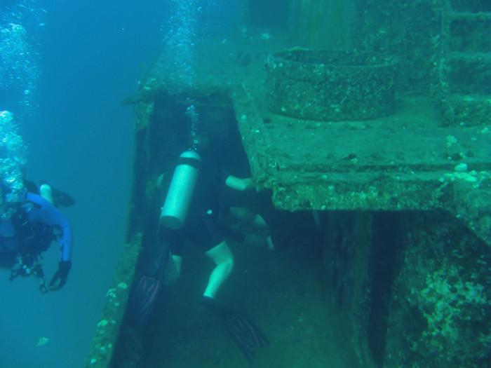 scuba diving oahu 027
