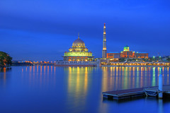 Putra Mosque @ blue hour (7.17pm) (tlchua99) Tags: blue lake reflections lights mosque hour putrajaya department hdr primeminister putra photomatix