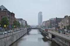 Bruselas (Bélgica) (littlecastle96) Tags: geografíahumana bélgica bruselas edificio monumento turismo belgium river city arquitectura architecture cars canales waterway