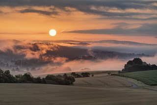 *Sonnenaufgang über Wittlich*