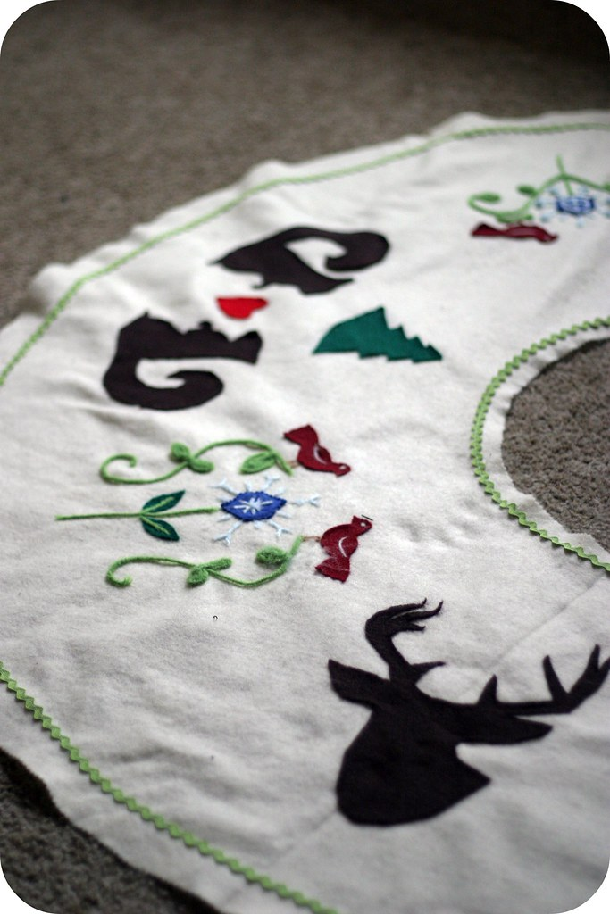 needlefelted tree skirt