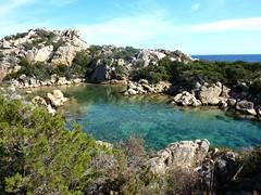 Sur le sentier littoral au S de Capu di Fenu : Cala Genovese