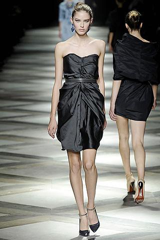 vestido tomara que caia preto